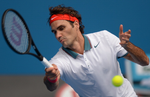 Roger Federer also swept through to the last 16 in three impressive sets