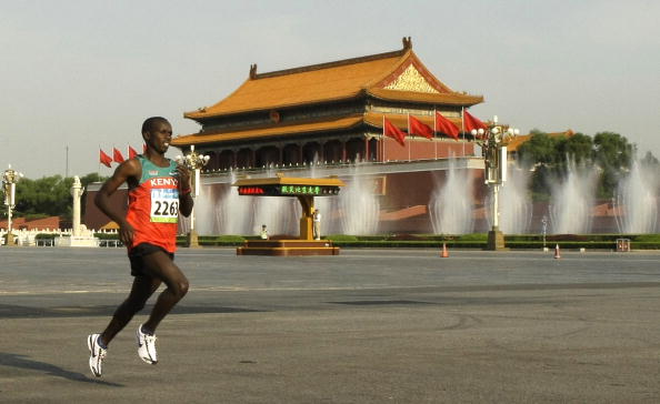 The smog did little to stop Samuel Wanjiru from winning the Beijing 2008 Olympic marathon in record breaking fashion...but the problem appears to be getting worse ©Getty Images