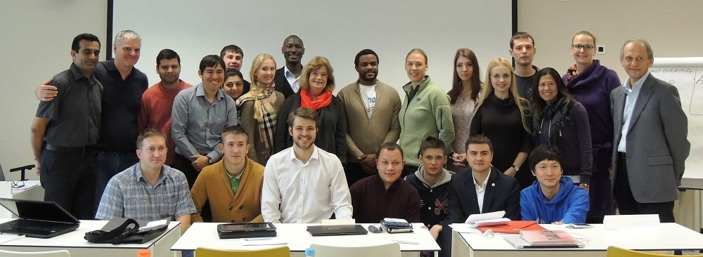 ANOC Secretary General Gunilla Lindberg (centre) and  RIOU Rector Professor Lev Belousov (far right) drop in on the RIOU MSA students during a lecture ©ANOC