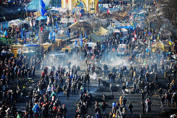 Anti-Government protesters rebuild barricades today in Kiev as the protests continue to escalate ©Getty Images