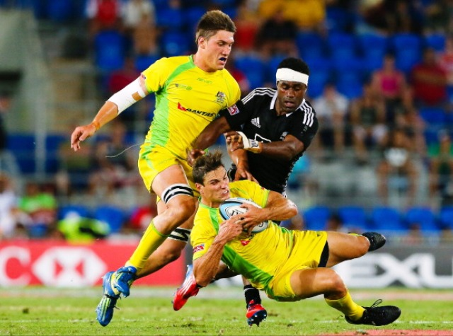 Australia began this season's World Series in impressive fashion at the Gold Coast Sevens losing out to New Zealand in the final match ©AFP/Getty Images
