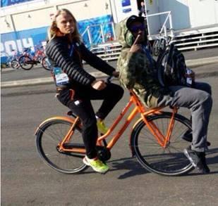 Dutch speed skater Koen Verweij on his way to lunch with his bro US speed skater Shani Davies ©Koen Verweij/Facebook