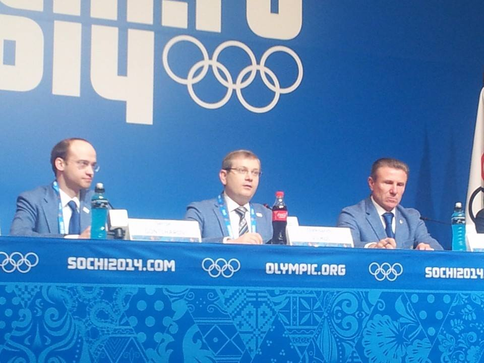 Lviv 2022 chief executive Sergej Gontcharov and bid leader Oleksandr Vilkul, along with Sergey Bubka, faced a variety of questions on the protests ©ITG