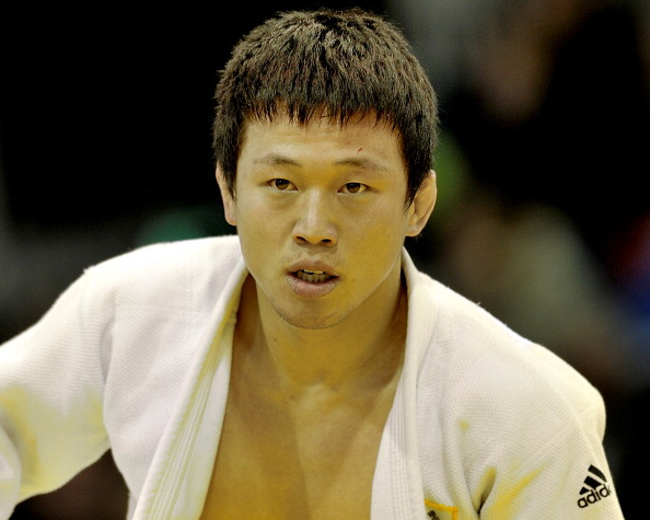 South Korean judoka Wang Ki-chun has been detained in a military detention after being caught using his mobile phone during compulsory training ©Getty Images