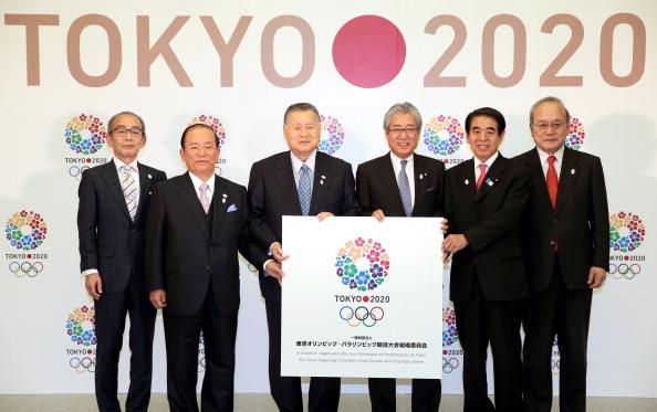 Yoshiro Mori [third left] and Toshiro Muto [second left] when the Tokyo 2020 Organising Committee was named last month ©The Asahi Shimbun/Getty Images