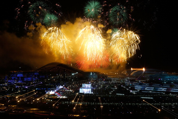 Fireworks explode over the skies of the Olympic Park ©Getty Images
