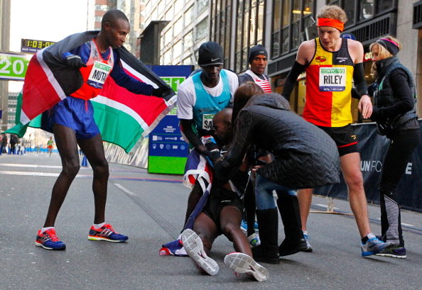 Geoffrey Mutai wins the New York City Half Marathon before Mo Farah collapses on the line ©Getty Images
