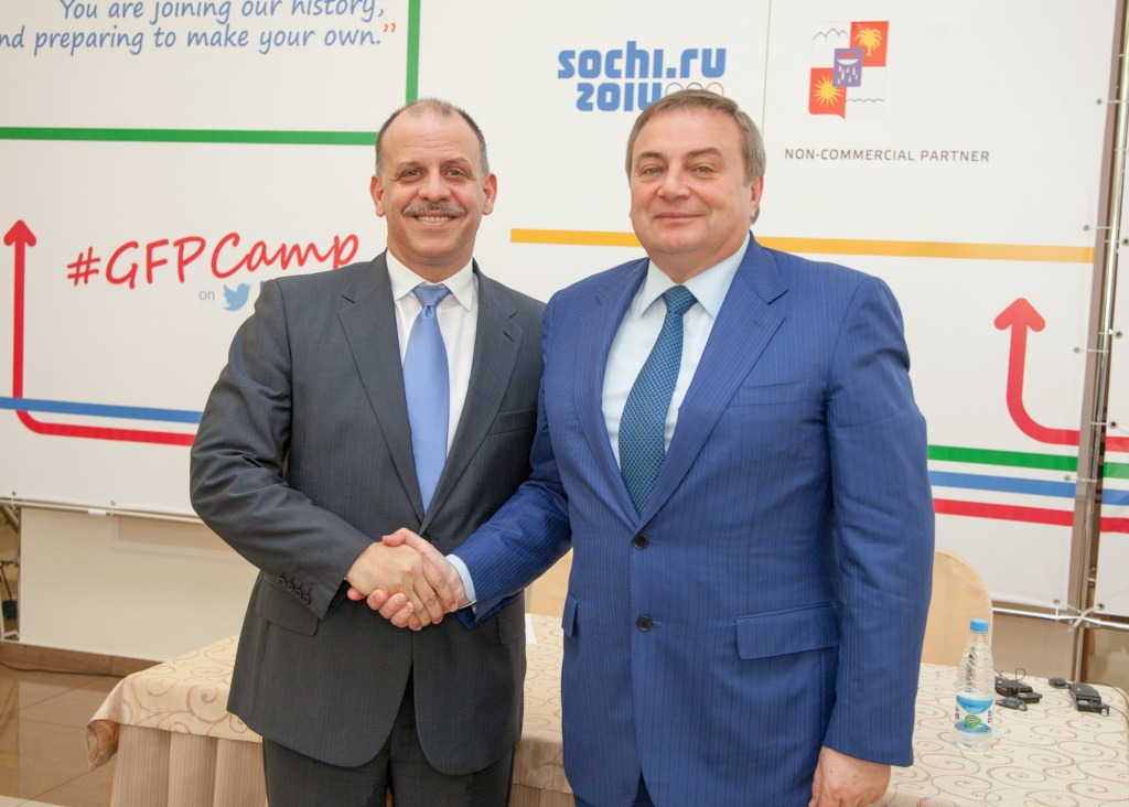 HRH Prince Feisal Al Hussein, founder and chairman of Generations For Peace, with Mayor Anatoly Pakhomov of Sochi City Administration ©GenerationsForPeace