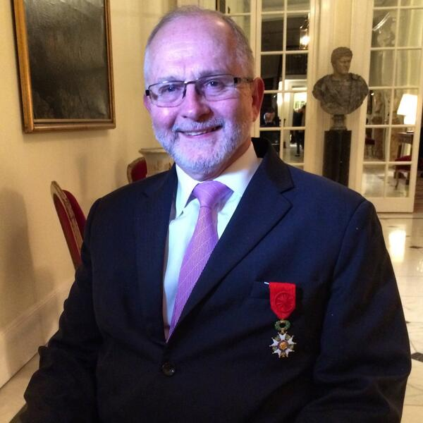 IPC President Sir Philip Craven has been appointed to the rank of Officer in the Ordre National de la Legion d'Honneur ©BBC Sport