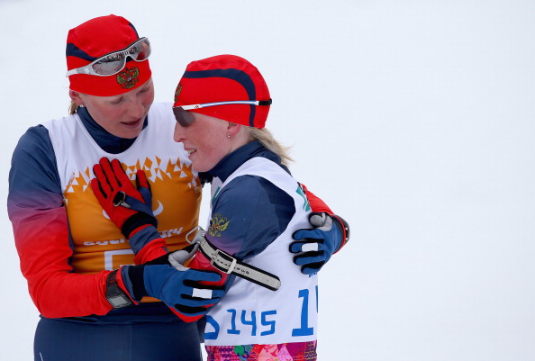 Iuliia Budaleeva and guide Tatiana Maltseva embrace after winning the 12.5km biathlon ©Getty Images