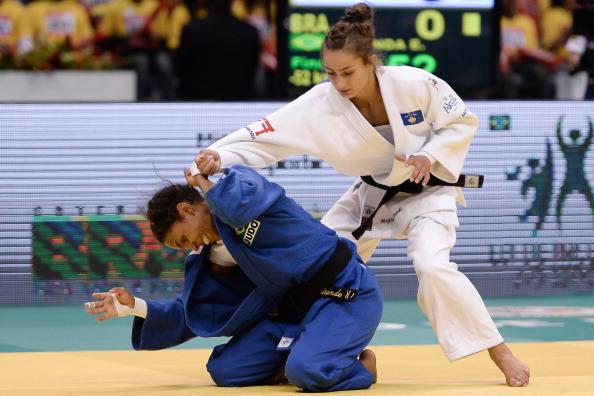 Majlinda Kelmendi (in white) will be one to watch in the women's -52kg class in Turkey ©Getty Images