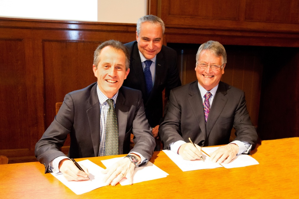 Roly Owers, Ingmar De Vos and John McEwen at the signing of the MoU between the FEI and World Horse Welfare ©FEI