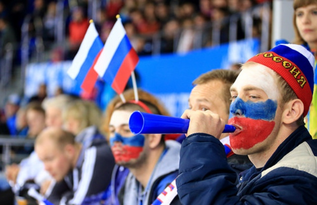 Sir Philip Craven has praised the support shown for the Winter Paralympics by Russian fans ©Sochi 2014