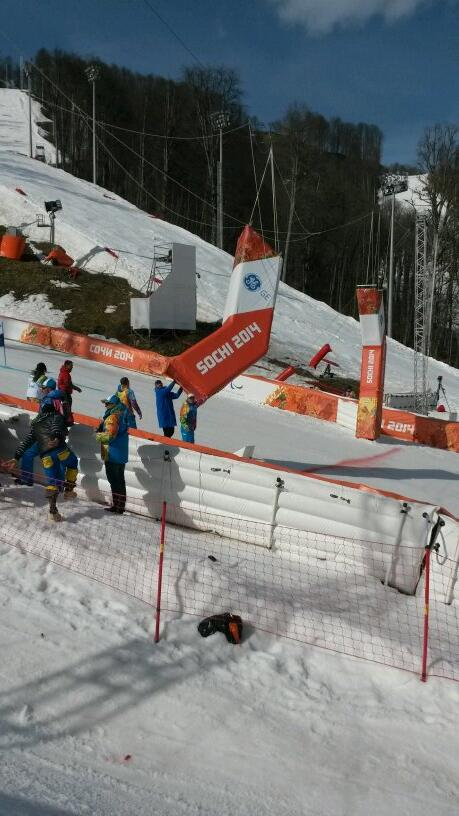 Russian officials needed to fix the finishing banner before the women's giant slalom sitting could resume its first run ©Twitter