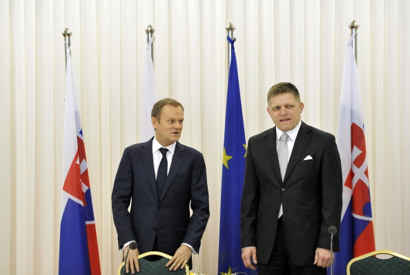 Prime Ministers Donald Tusk (left) and Robert Fico reiterated their support for Krakow 2022 at a joint summit yesterday ©AFP/Getty Images