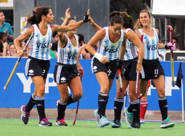 The FIH says that the introduction of a 40-second time-out will allow teams to celebrate after scoring a goal without losing actual playing time ©AFP/Getty Images