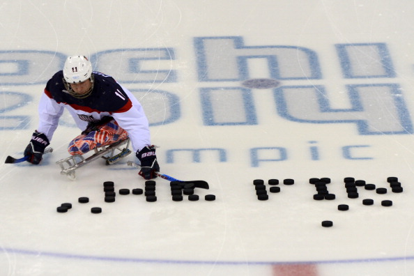 The US team take to the ice for the final ©AFP/Getty Images