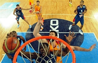 Ukraine has denied that it has pulled out of hosting Eurobasket 2015 ©AFP/Getty Images