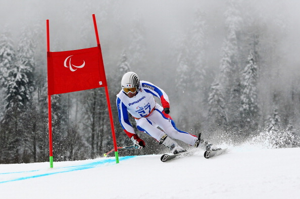 Vincent Gauthier-Manuel claimed gold in the giant slalom standing event despite losing a pole near the end of the course ©Getty Images