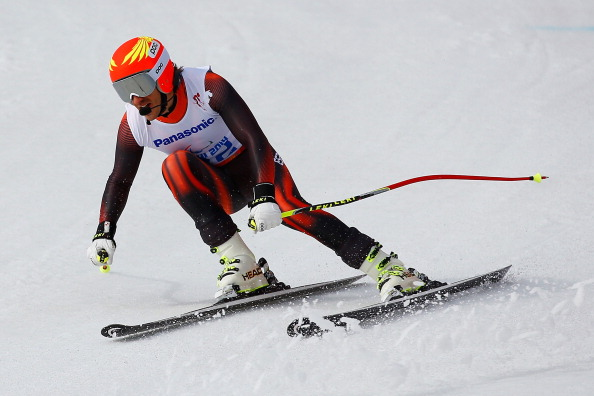 Yon Santacana Maiztegui wins gold for Spain in the visually impaired downhill ©Getty Images