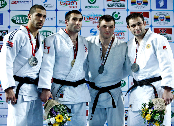 Zviad Gogotchuri had the crowd on their feet as he secured gold in the men's under 90kg final ©IJF