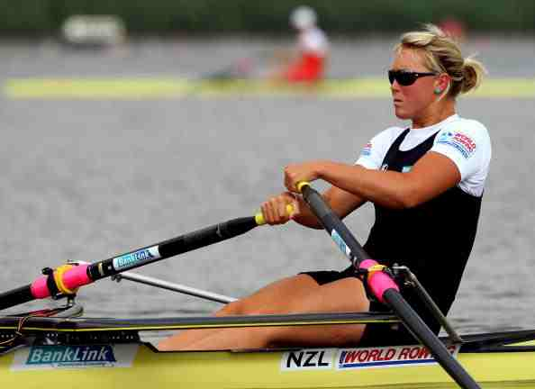 New Zealand's single sculler Emma Twigg earned a morale-boosting victory over Australia's world champion Kim Crow at the Sydney World Rowing Cup ©Getty Images