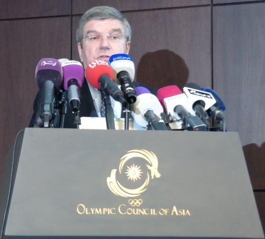 IOC President Thomas Bach claimed today in Kuwait City that he remained unconcerned by the various problems faced by the bidders for the 2022 Winter Olympics and Paralympics ©ITG