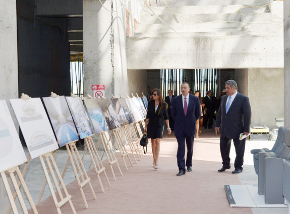 Azerbaijan President Ilham Aliyev and his wife Mehriban have inspected the Aquatic Palace, which is being built for the 2015 European Games, and were accompanied by Youth and Sports Minister Azad Rahimov ©Baku 2015