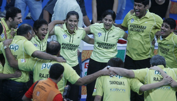 Hyderabad Hotshots celebrate winning the inaugural Indian Badminton League in 2013 ©Hindustan Times/Getty Images