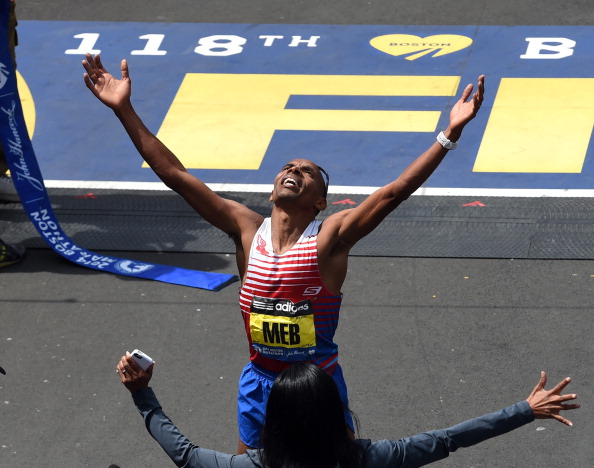 Meb Keflezighi today became the first American man to win the Boston Marathon since 1983 ©AFP/Getty Images