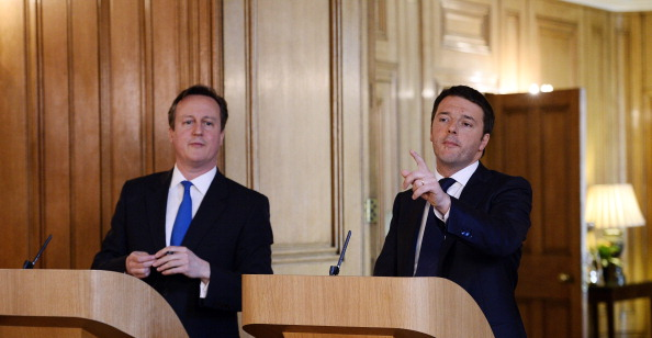 The prospects of Rome bidding for 2024 depends largely on the choice of Matteo Renzi, pictured alongside a leader who has presided over a successful Games in British Prime Minister David Cameron ©Getty Images