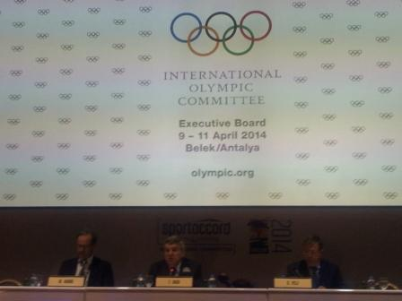 Thomas Bach explained various measures to be taken by the IOC following the Executive Board Meeting over the last two days ©ITG