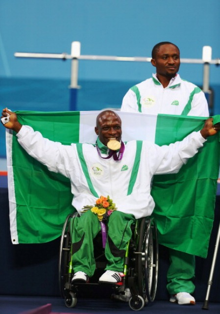 Yakubu Adesokan of Nigeria took the men's under 49kg world title in a dramatic tussle with Van Cong Le of Vietnam ©Getty Images