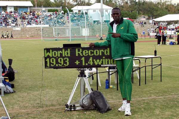 Usain Bolt set a world 200 metres record of 19.93sc at the 2004 CARIFTA Games in Hamilton, Bermuda ©IAAF