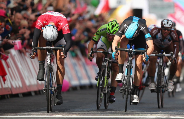 A remarkable sprint finish saw Marcel Kittel come from 20m behind in the final 100m to pip Ben Swift on the line and secure his second stage win at the Giro d'Italia ©Velo/Getty Images