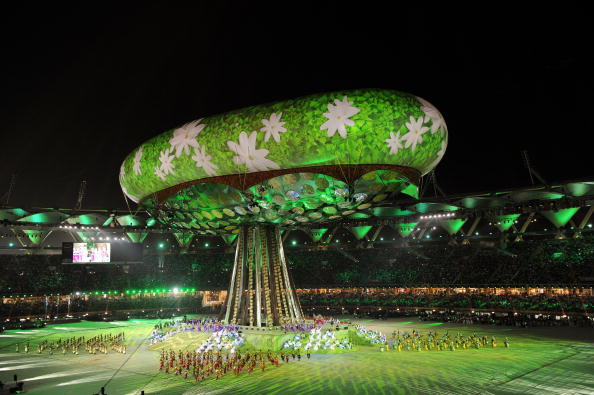 An aerostat balloon rises at the Jawaharlal Nehru Stadium for the Delhi 2010 Opening Ceremony ©AFP/Getty Images