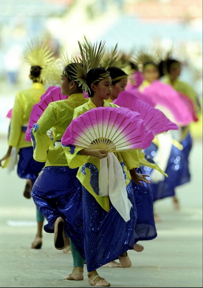 Dancers at the Kuala Lumpur 1998 Opening Ceremony ©Getty Images