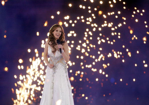 Delta Goodrem performed during the Melbourne 2006 Opening Ceremony ©Getty Images