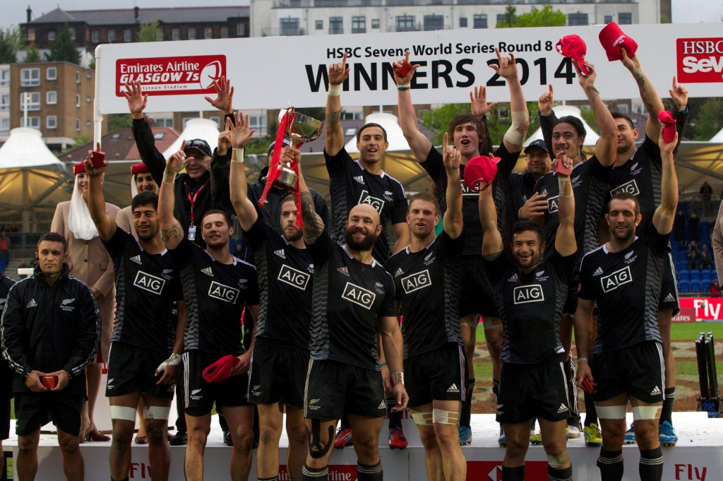 New Zealand have secured the Glasgow Sevens Cup title with victory over Canada in the final ©IRB/Martin Seras Lima