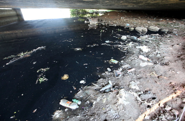 Removing garbage from Guanabara Bay is the main objective for the State Government ahead of the sailing test event in August ©Getty Images