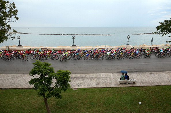 The peleton spent much of the race on a go-slow in protest over the rainy conditions in Italy ©Velo/Getty Images