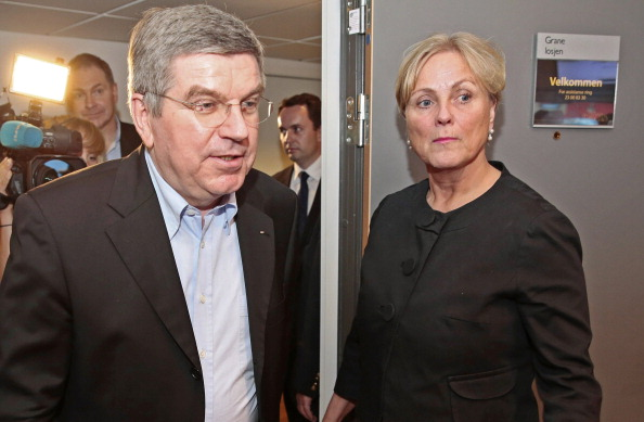 Thomas Bach arrives for a meeting with Norwegian Culture Minister Thorhild Widvey during his visit ©ITG