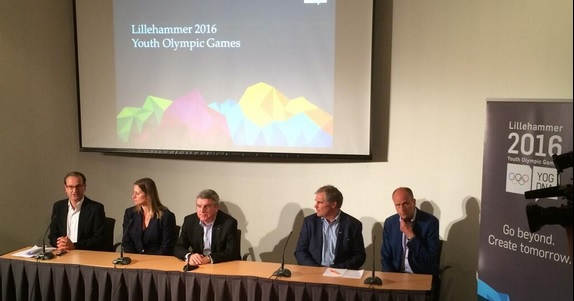 Thomas Bach was ostensibly visiting to oversee preparations for Lillehammer 2016, but the 2022 race occupied much of his time ©Twitter