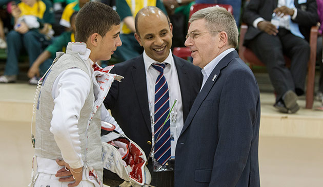 Fencing was among the sports that IOC President Thomas Bach watched during his visit to the African Youth Games in Gaborone ©IOC