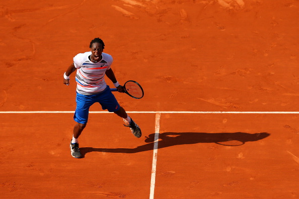 A bizarre third round fixture saw Gael Monfils beat Fabio Fognini in a gruelling five-setter with the players recording 137 unforced errors between them ©Getty Images