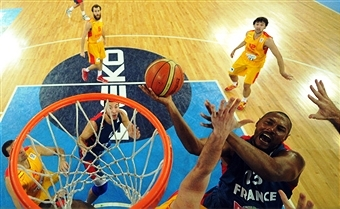 FIBA Europe has announced that Ukraine will no longer host EuroBasket 2015 ©AFP/Getty Images