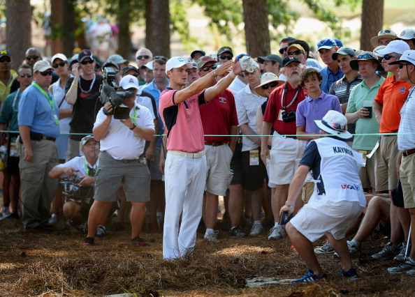 Martin Kaymer did well to walk away from the fourth with just a single dropped shot after a wayward tee-shot forced him to take an unplayable lie amongst the pines ©Getty Images