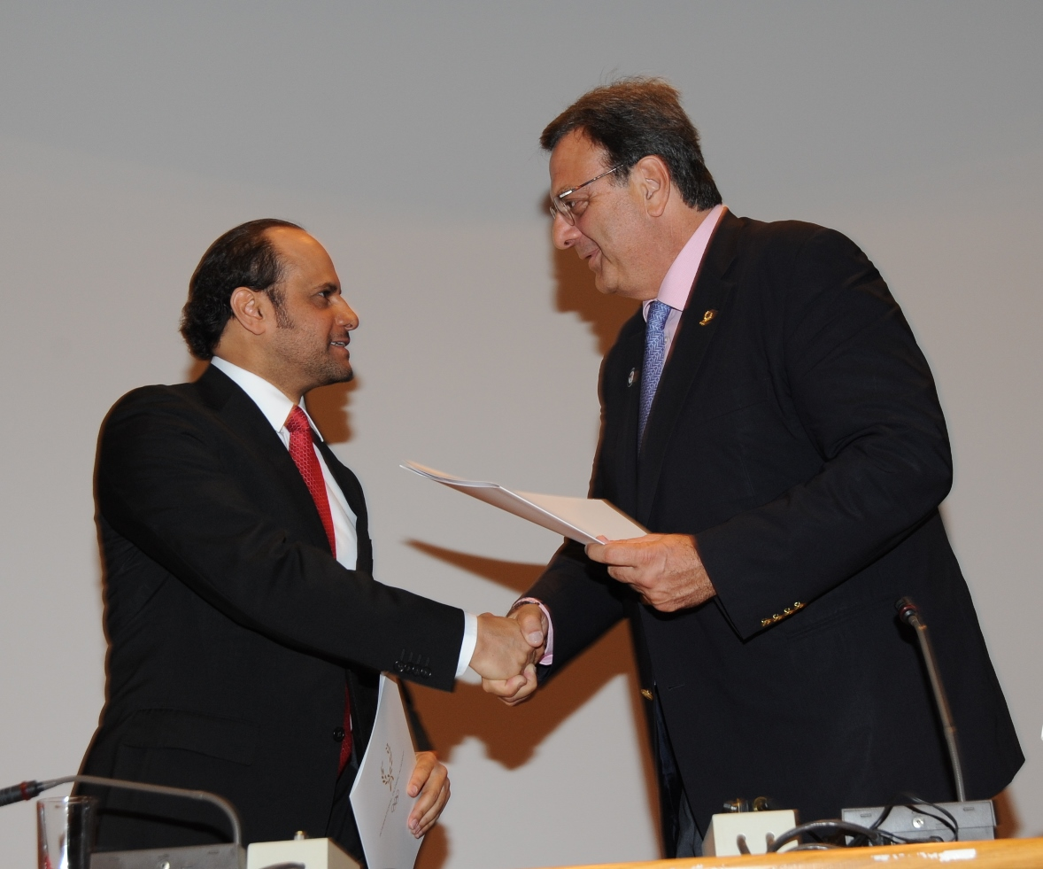 Qatar Olympic Committee secretary general Sheikh Saoud bin Abdulrahman Al Thani has signed an MoU with the International Olympic Academy, who were represented by its President Isidoros Kouvelos ©QOC