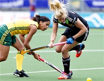 South African captain Marsha Cox (left) has been elected to the FIH Athletes' Committee ©AFP/Getty Images