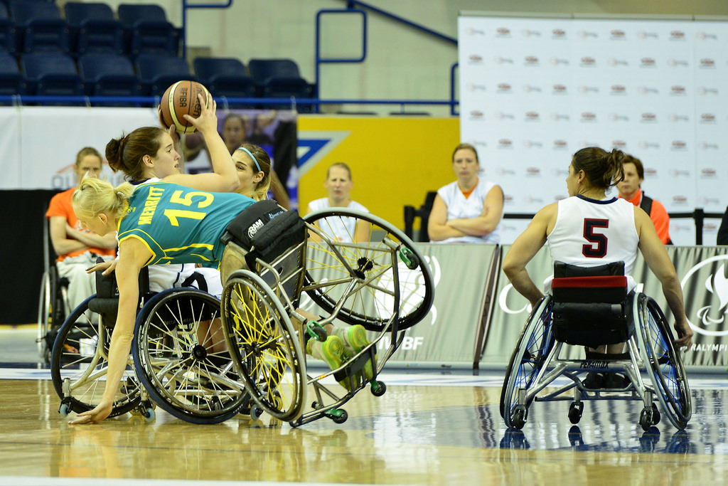 The US pulled off the surprise of the day as they beat Australia on the opening day of the 2014 Wheelchair Basketball World Championships in Canada ©2014WWWBC